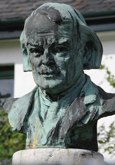 Lloyd George bust