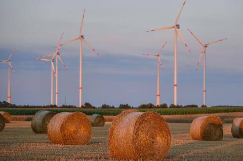 Wind power: environmental laws are encouraging investments in renewable power sources