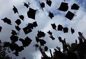 Law graduate salaries stuck in lower league
