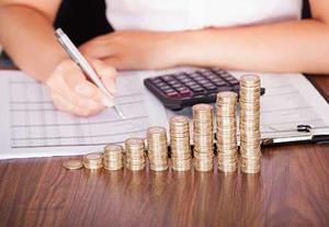 Senior in-house pay rises by £8k - but bonuses shrink